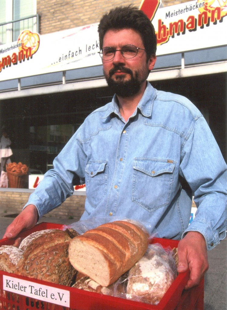 Der Vorsitzende kommt vom Bäcker