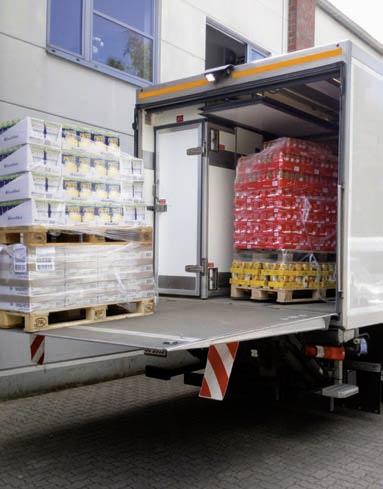Laster mit Lebensmittelladung